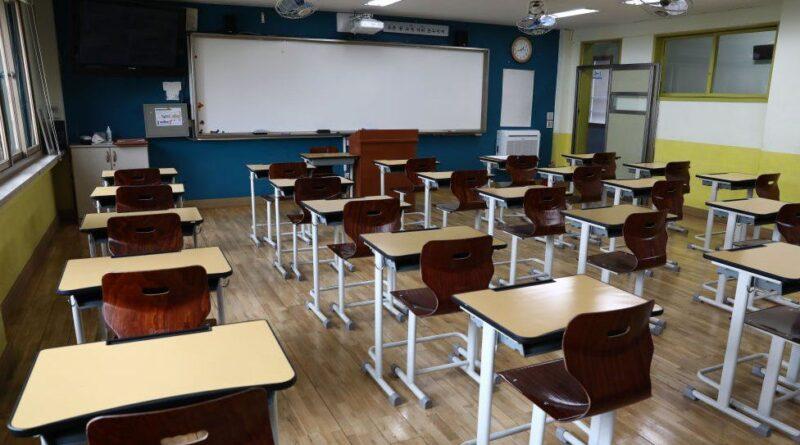 USR și PNL vor ține școlile închise. Primii se educă afară și cea de a doua categorie nu are nevoie de școală – CURIERUL ROMÂNESC