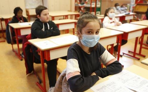 Cuplul PNL-USR a dat comanda: școlile vor rămâne închise. Cine îi vrea proști pe români?