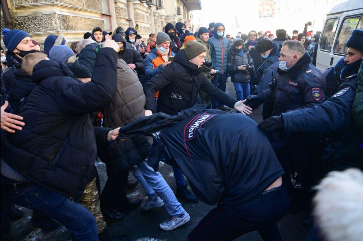 FOTO/VIDEO: Revoluție în Rusia sau eliminarea lui Vladimir Putin? Serviciile secrete ruse fac arestări în masă!