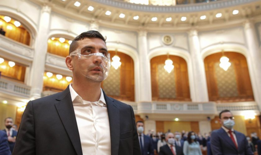 George Simion: Iohannis a mers repede la Balș căci se grăbea la schi