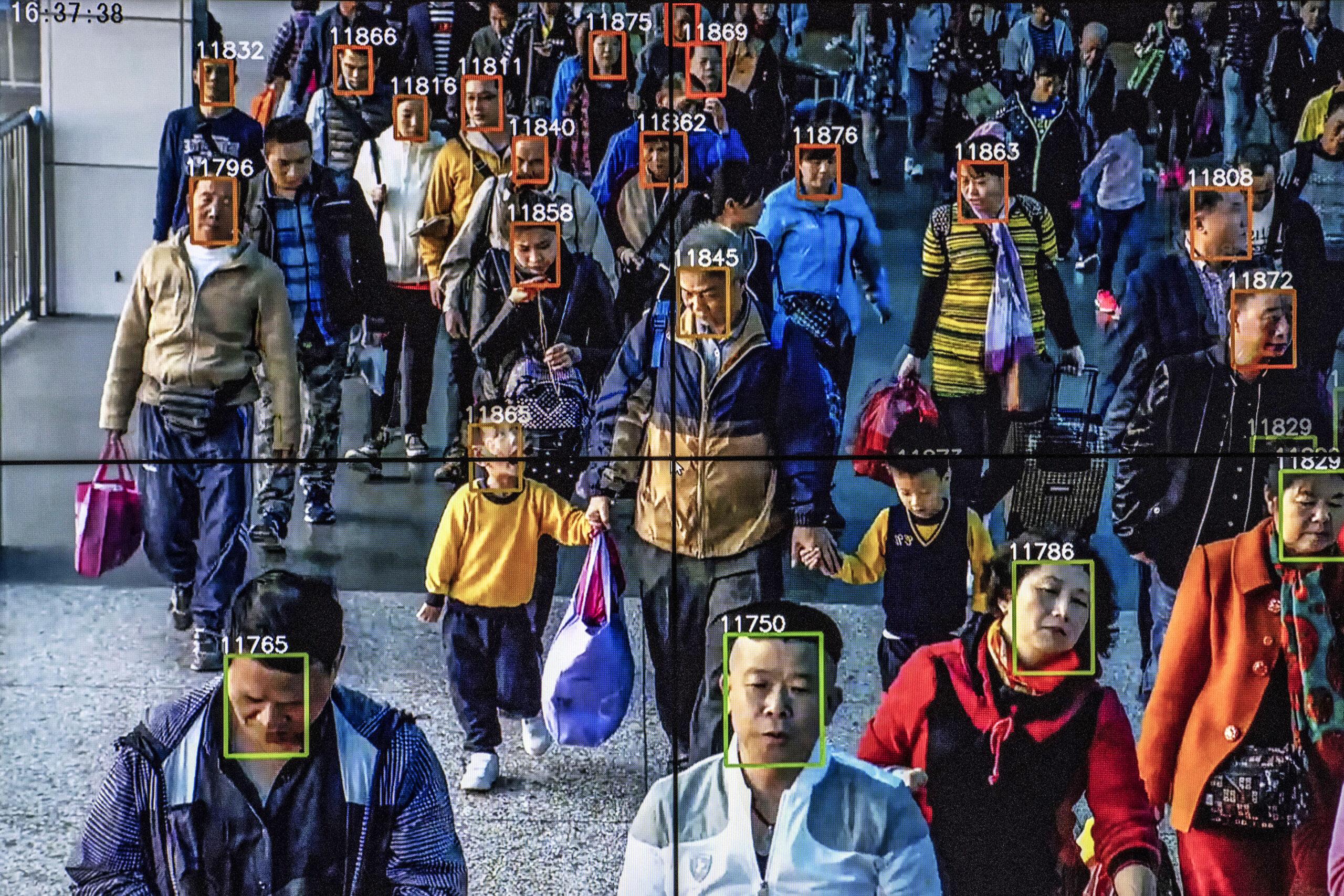 Organizațiile pentru drepturile omului cer UE interzicerea supravegherii biometrice