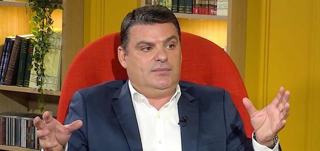 """Radu Tudor acuză Biserica Ortodoxă că """"ar fi ucis un nou-născut"""" și numește botezul tradițional """"practică medievală"""""""