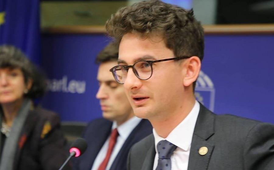 Negocieri dure între PNL și USR. Cine va primi șefia Televiziunii Română?
