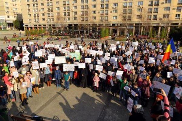 Iași | Un protest împotriva vaccinării obligatorii va avea loc duminică, de la ora 15:00