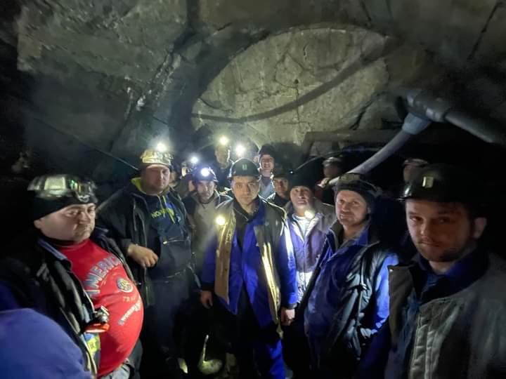 George Simion în mina de uraniu Crucea: Cer ministrului Energiei să le plătească restanțele salariale muncitorilor