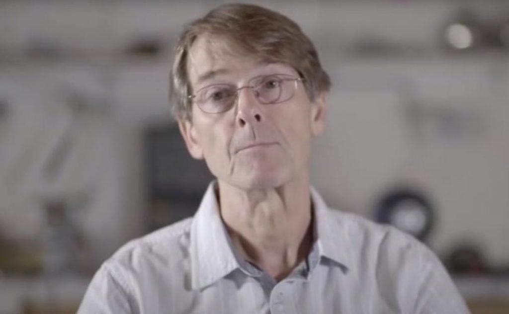 Dr. Michael Yeadon, ex-vicepreședinte Pfizer: Guvernele și Big-Pharma vor continua să înșele și să înrobească oamenii