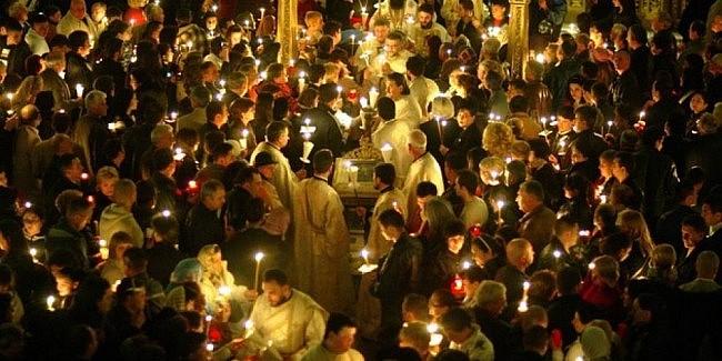 Ministrul Afacerilor Interne, Lucian Bode: În noaptea de 1 spre 2 mai, circulaţia persoanelor este permisă doar în cazul participanţilor la slujbele religioase