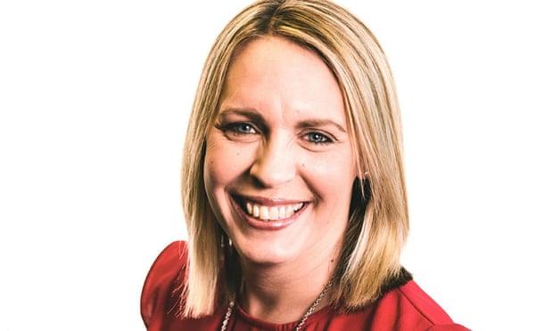 Prezentatoare de la BBC Radio, moartă la câteva zile după vaccinare. Familia spune că Lisa Shaw (44 de ani) avea cheaguri de sânge după prima doză de vaccin