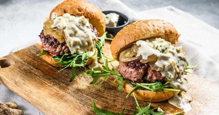 Nebunie! 7 rețete de burgeri de te lingi pe degete
