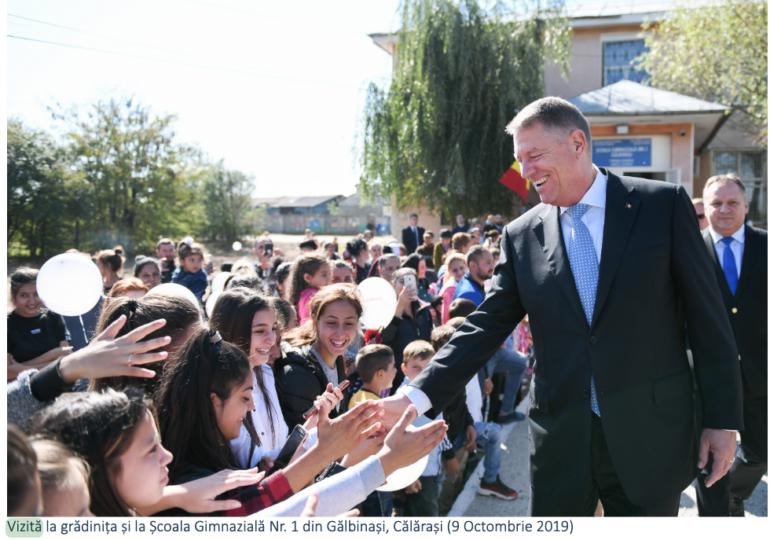 România educată, un program cu pozele lui Iohannis! S-a spălat pe mâini