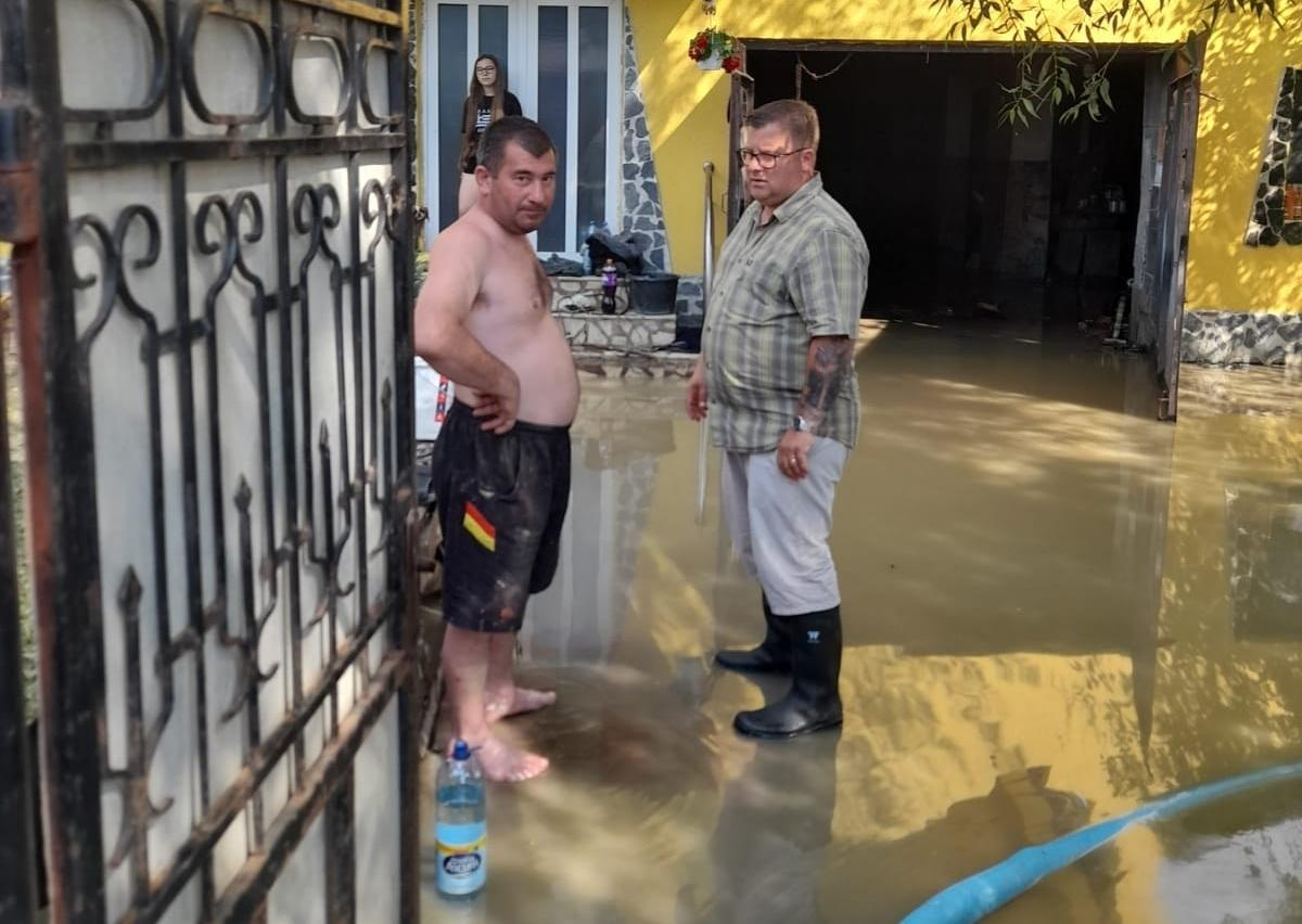 Daniel Rusu(AUR): Dl. Cîțu, ajutați oamenii afectați de inundații din județul Alba