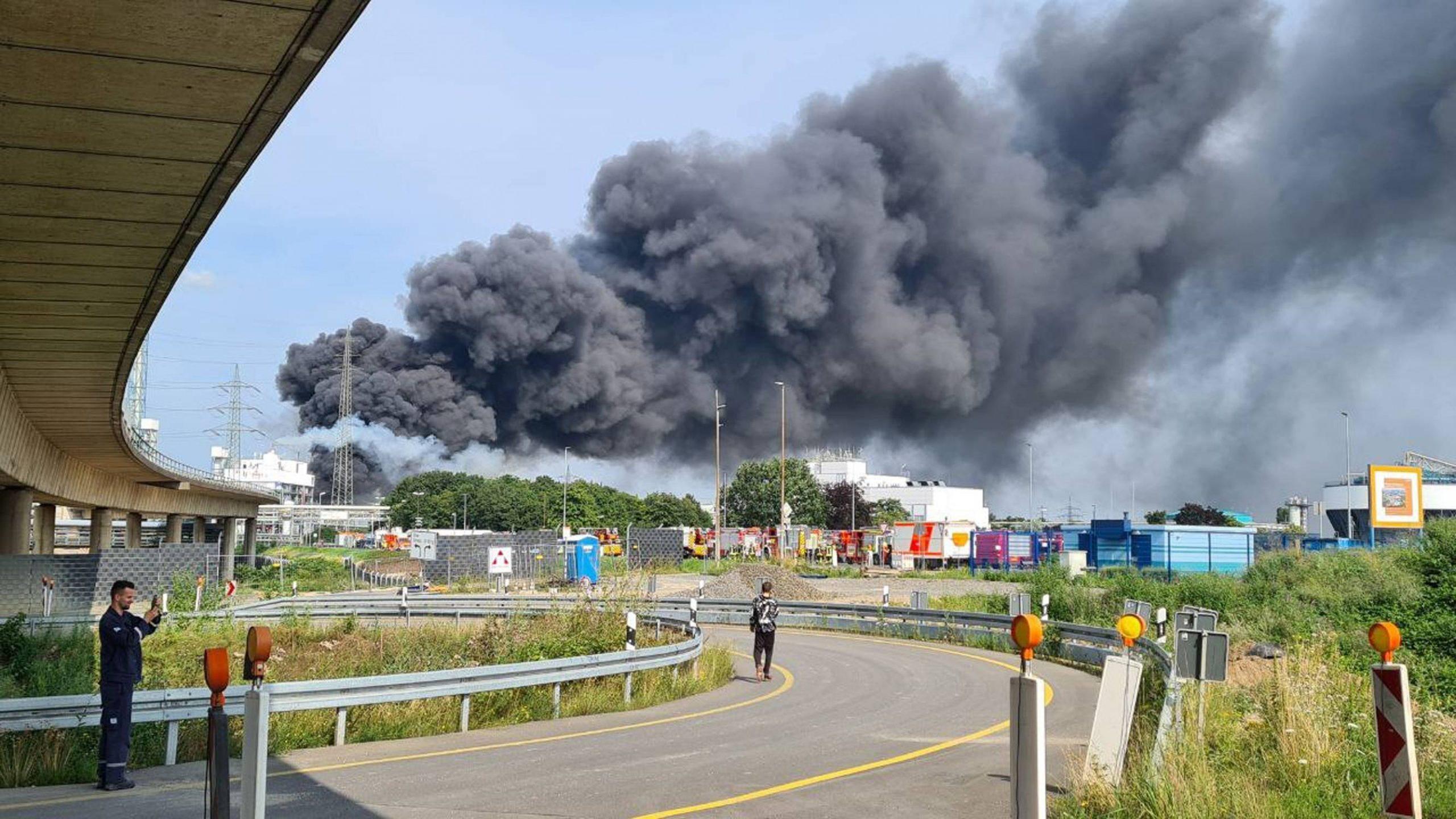 VIDEO: Explozie uriașă la o celebră fabrică farmaceutică din Germania – 60m.ro