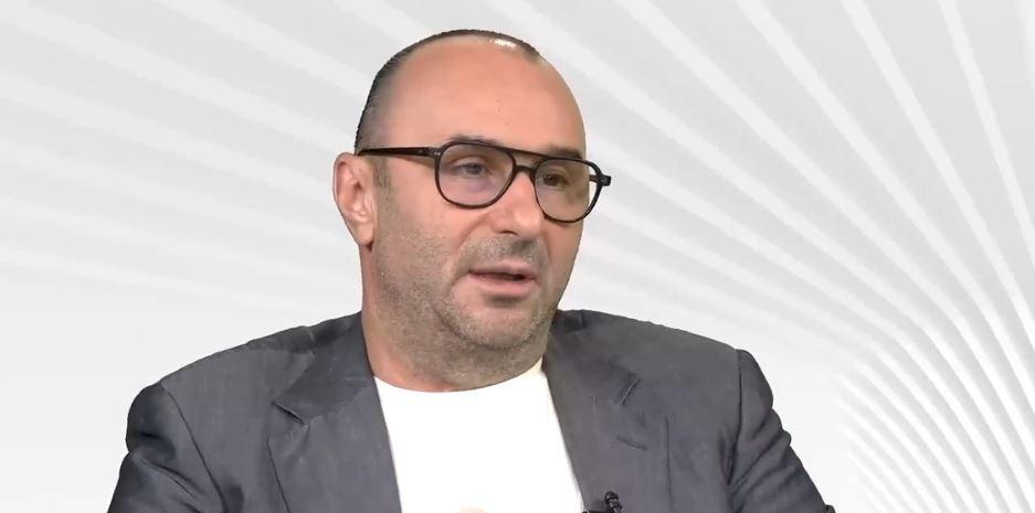 Jurnalistul Marius Tucă și analistul Valentin Stan nu s-au vaccinat. Tucă: M-am săturat de minciunile împuțite cu care încearcă să convingă oamenii să se vaccineze