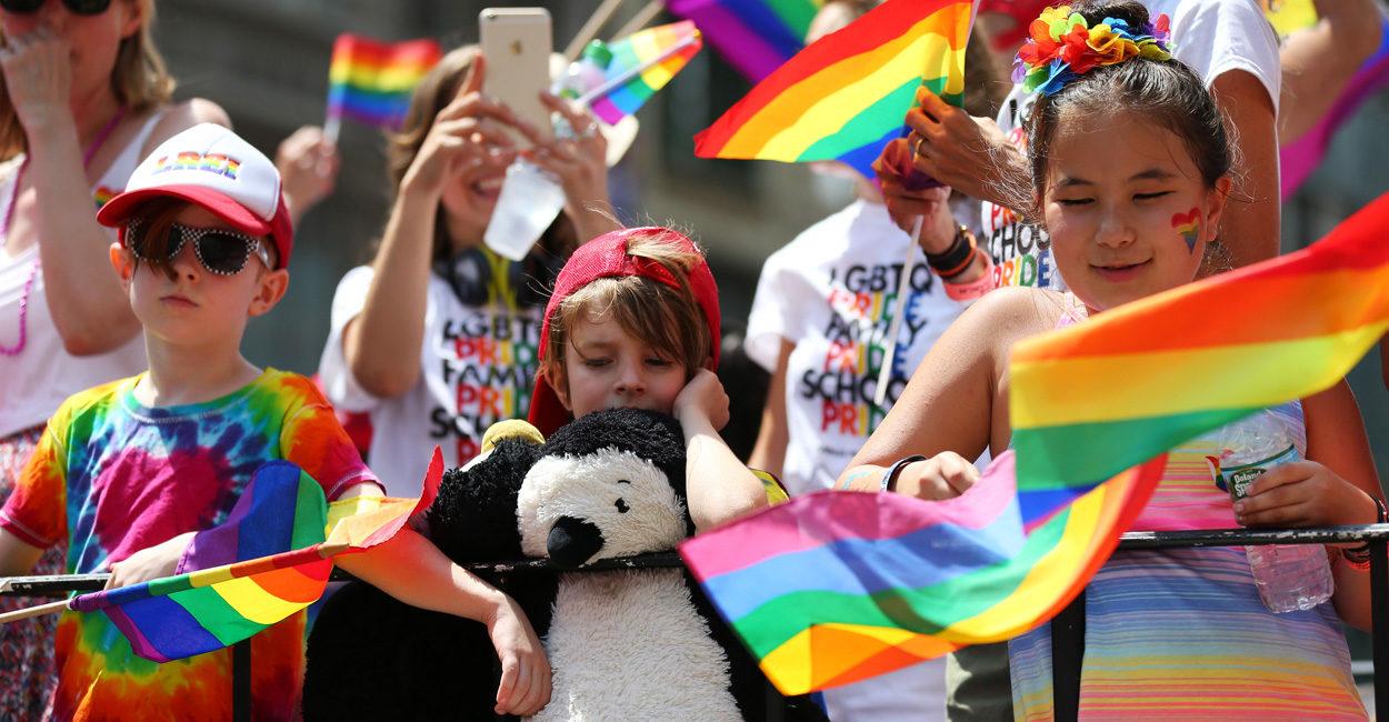 Scoţia va permite copiilor de 4 ani să îşi schimbe genul, fără aprobarea părinţilor