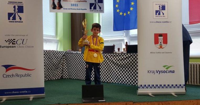 Campionul european la șah este un băiețel de 8 ani din Brașov