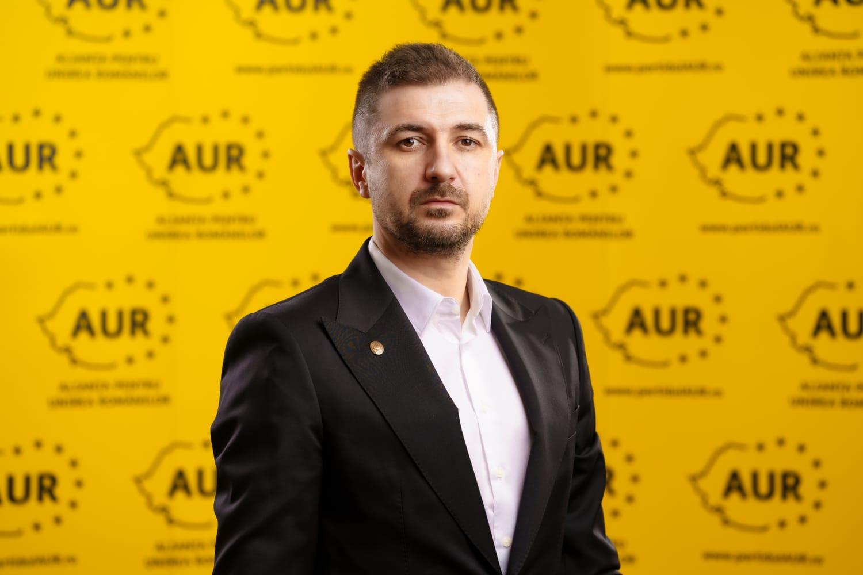 Adrian Axinia(AUR): Să spună Florin Cîțu ce a făcut cu cele peste 25 de miliarde de euro împrumutate. Vorbim deja de TRĂDARE