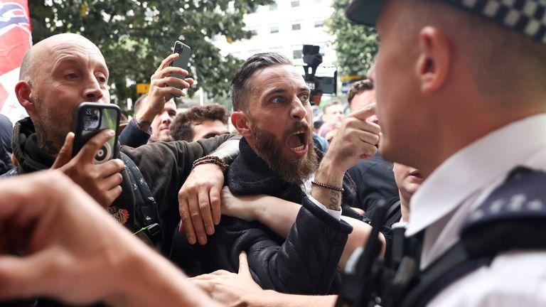 VIDEO: Violențe la protestele anti green pass la Londra –