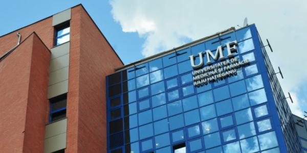 Situație scandaloasă la UMF Cluj-Napoca. Studenții nevaccinați nu sunt primiți fizic la cursuri, chiar dacă se testează. Discriminare totală și la stagiile de pregătire în spitale
