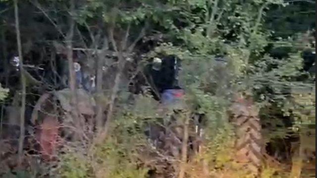 Utilajele furate de la ferma din Timiș au fost găsite. Cele două tractoare și discul – ascunse într-o pădure!