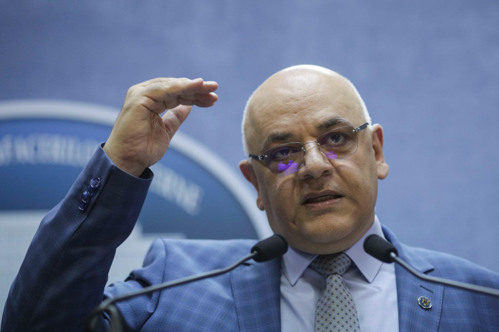 Arafat nu exclude implementarea certificatului de vaccinare ca în Italia – 60m.ro