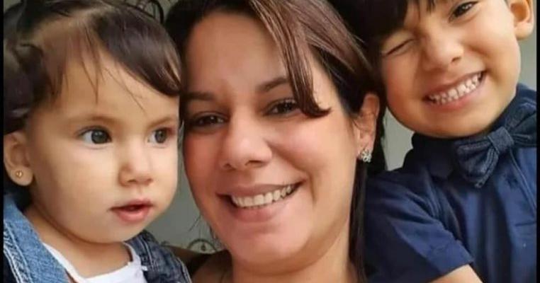 Sacrificiu de mamă: și-a băut propria urină pentru a-și alăpta copiii naufragiați în mijlocul Oceanului pe o epavă