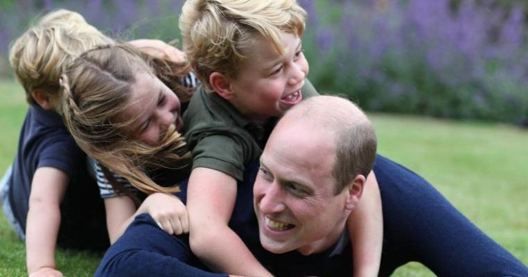 """Prințul William, confesiuni despre viața de tată: """"Mi-a fost greu să mă adaptez, să trec de la viața de bărbat singur la cea de tată"""""""