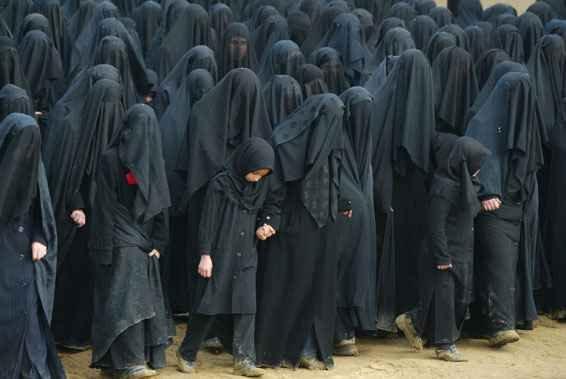 Elveția a interzis burqa: Nu vrem să existe un islam radical în ţara noastră