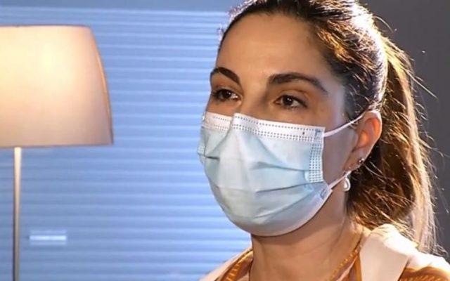 România continuă vaccinarea cu Astra Zeneca. Beatrice Şerbănescu, balerină la Opera Națională, susține că și-a pierdut cunoștința de două ori după vaccinul cu AstraZeneca: Soţul meu m-a resuscitat