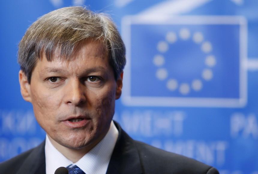 Copreședintele USR-PLUS, Dacian Cioloș, are COVID. A primit mii de comentarii