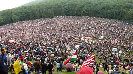 Harghita: Aproximativ 40.000 de persoane, aşteptate la pelerinajul de Rusaliile catolice de la Şumuleu Ciuc. Anularea restricțiilor, la solicitarea UDMR