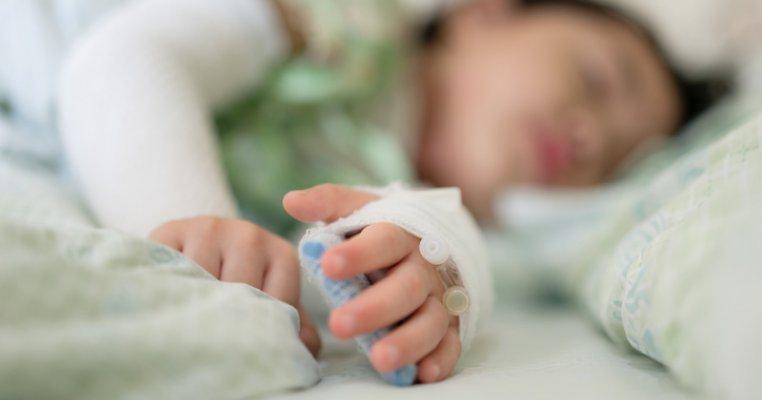 De ce tulpina braziliană de COVID-19 crește rata mortalității la copii? Experții sunt îngrijorați