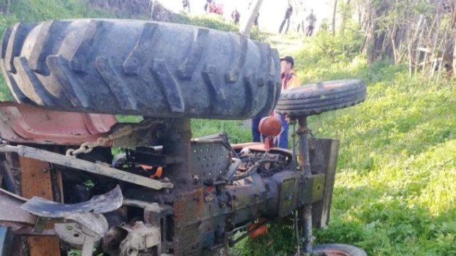 Un bărbat a murit strivit sub tractor