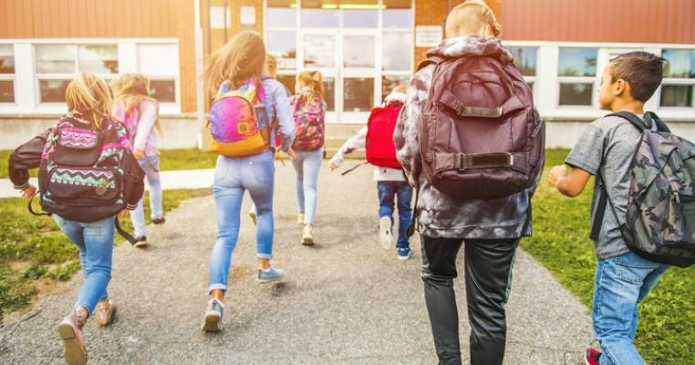 Școala începe fizic în toamnă. Iată care este dată stabilită de autorități