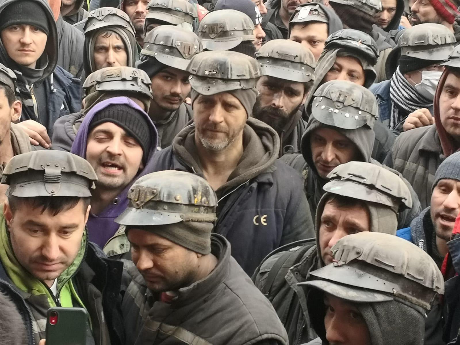 VIDEO: 1.477 de români au rămas pe drumuri. S-a închis termocentrala Mintia – 60m.ro