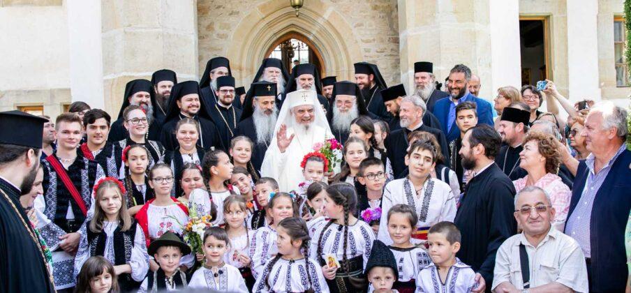 Reînvierea neamului românesc! Mesajul Patriarhului Daniel la începerea serbării Putna – 150: Acesta este o ZI MARE