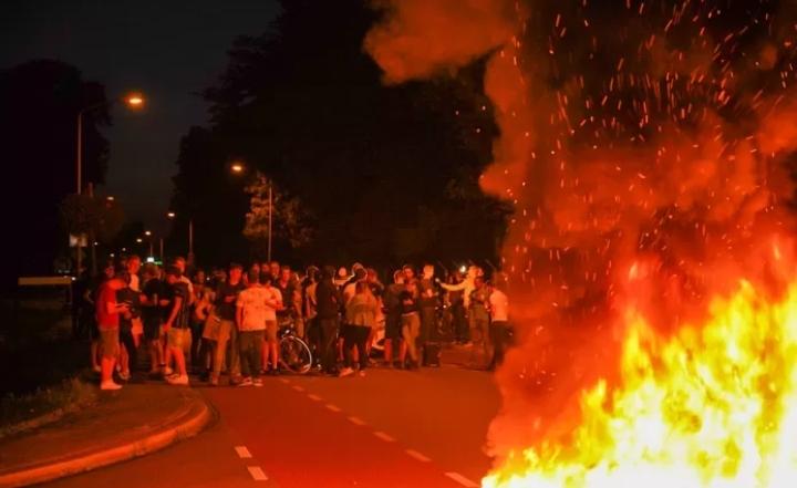 Protest în Olanda faţă de sosirea afganilor evacuaţi –