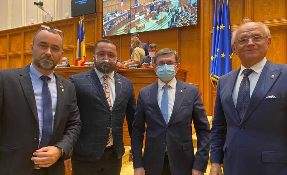 Deputații AUR împreună cu Igor Grosu: Basarabia e România!