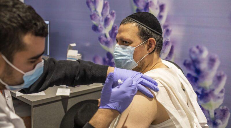 11 mii de noi cazuri în Israel deși a vaccinat aproape toată populația –