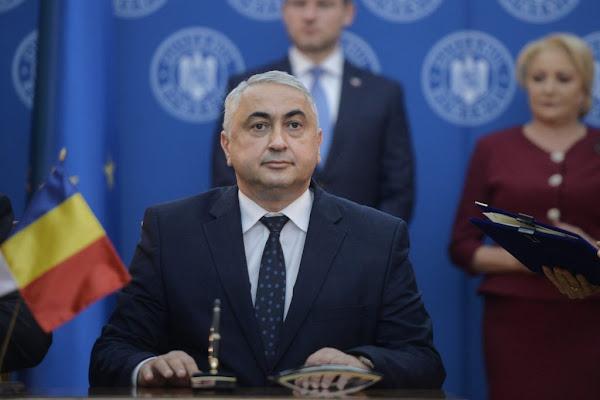 """Ministrul """"Pamblică"""", propus cetățean de onoare al municipiului Suceava"""
