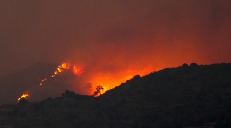 Arde pământul! Sute de pompieri se luptă cu flăcările din Andaluzia – 4media.INFO
