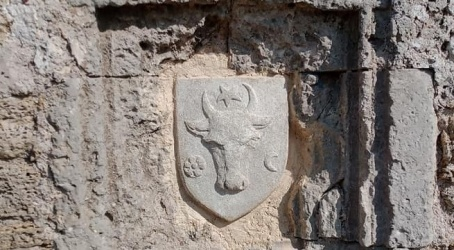 Ucraina | În Cetatea Albă, pe zidurile citadelei, a fost reinstalat blazonul cu stema Moldovei medievale