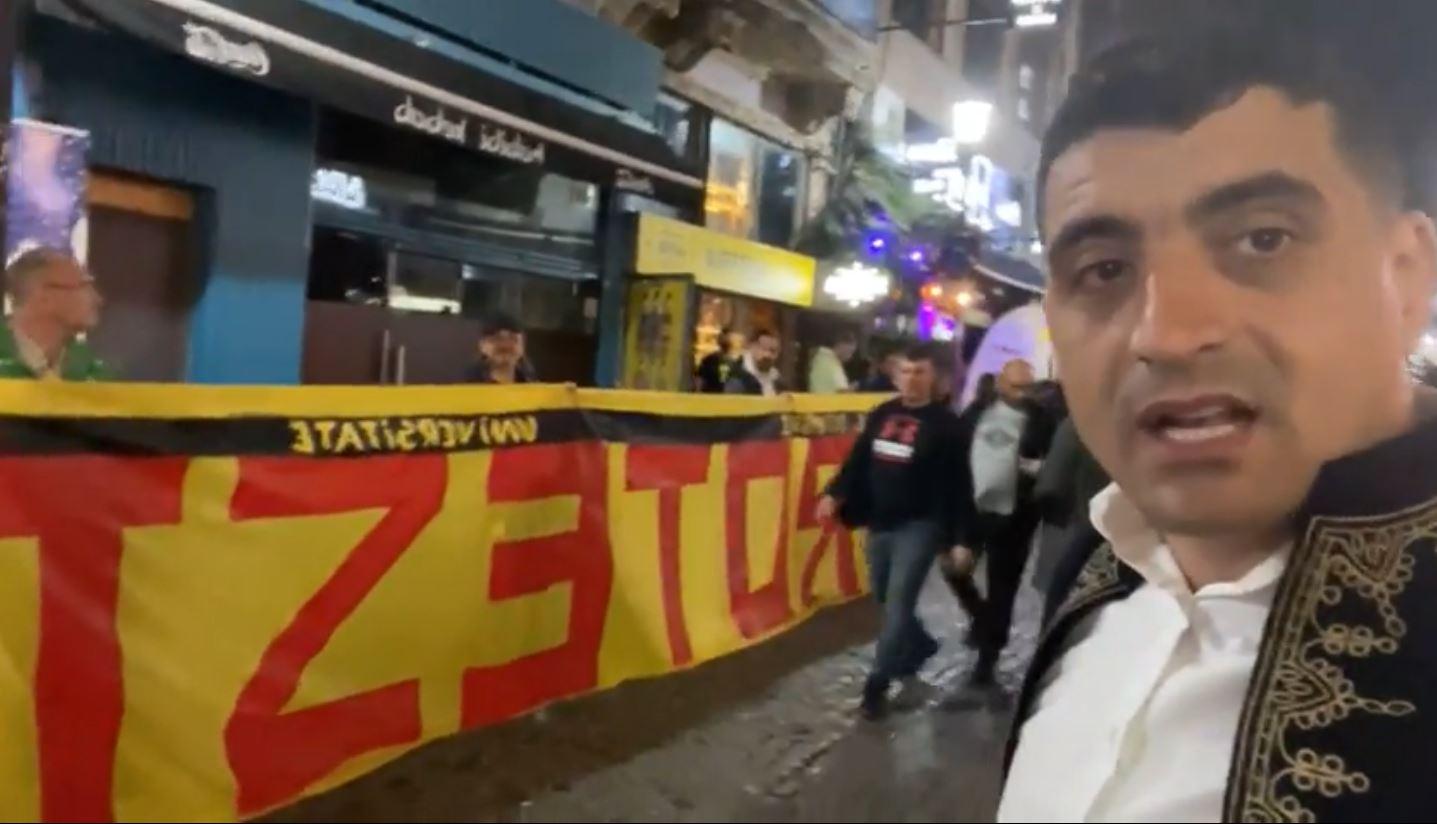 LIVE: George Simion alături de români în Centrul Vechi din București – 60m.ro