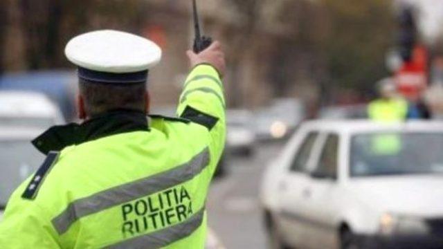 Polițist condamnat la închisoare după ce a șantajat un tractorist care avea utilajul neînmatriculat!