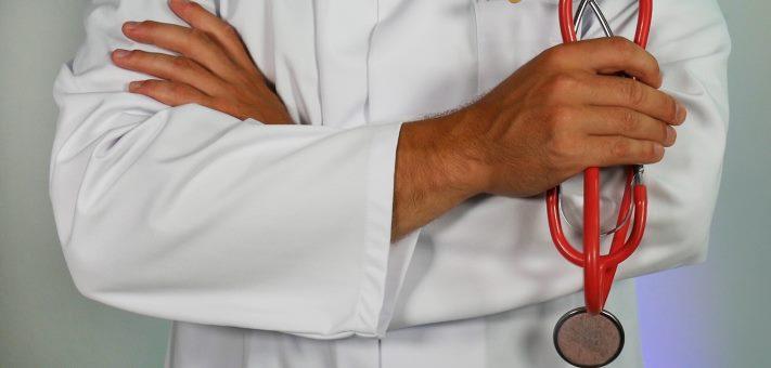 Proiect de lege: Certificatul verde va fi obligatoriu pentru personalul medical. Cei care refuză vor avea contractul suspendat