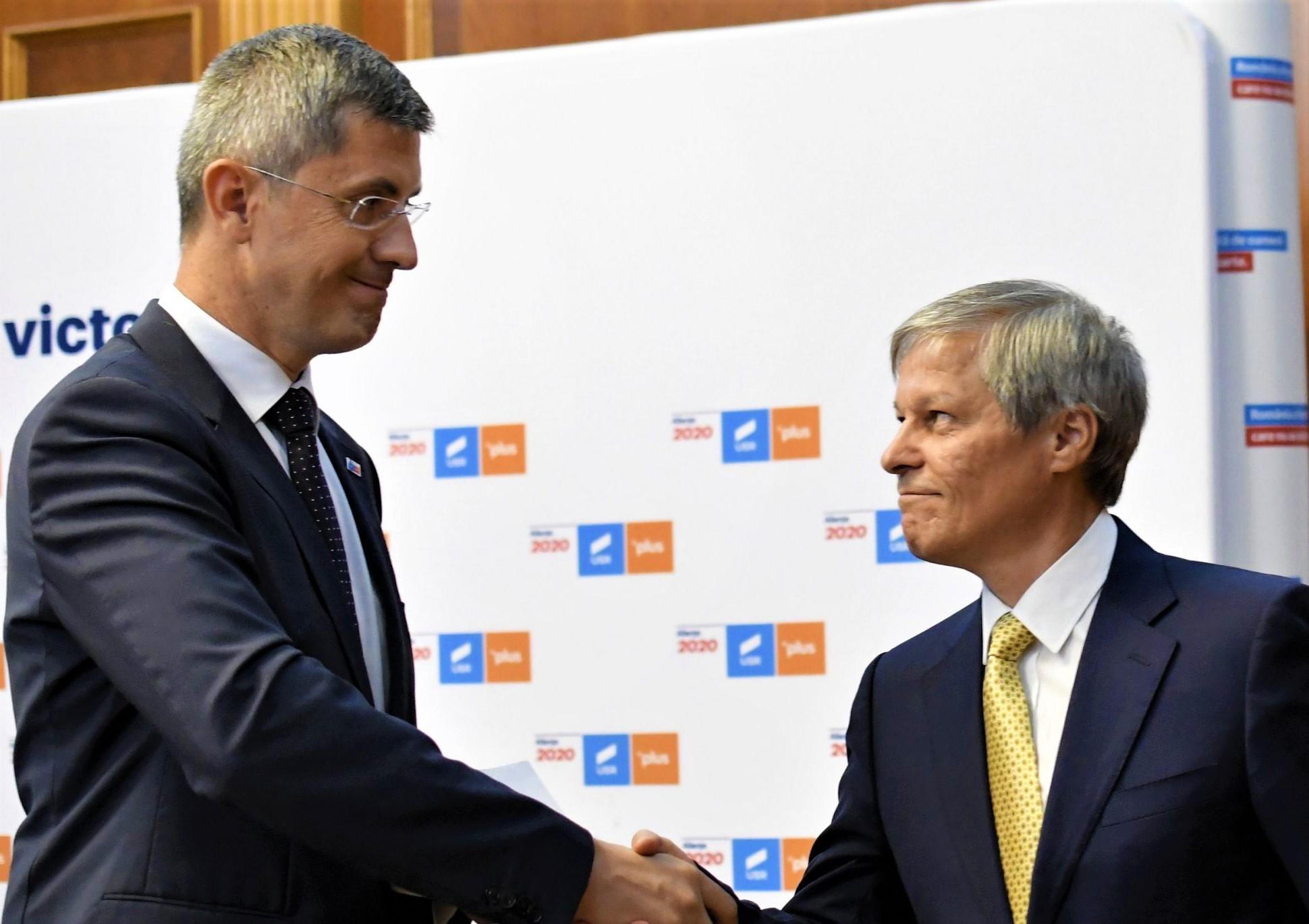 """La USRPLUS are loc un fel de """"Războiul stelelor"""" de pe umeri – 60m.ro"""