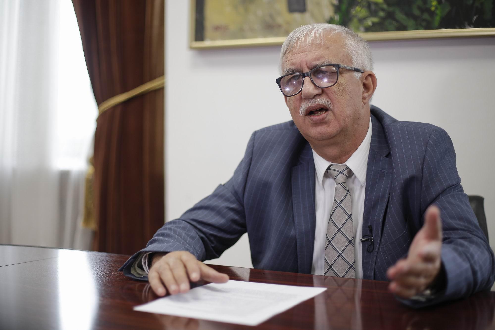 Augustin Zegrean: Noile restricții NU sunt constituționale – 60m.ro