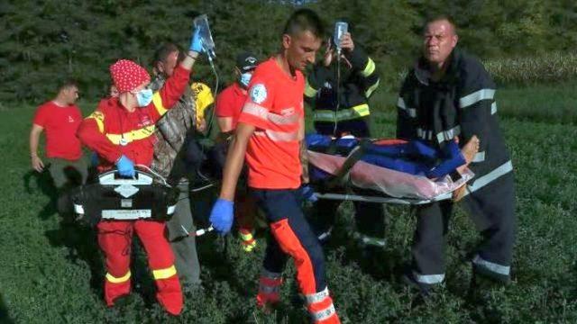 Bărbat prins într-un utilaj agricol, preluat din câmp de un echipaj SMURD